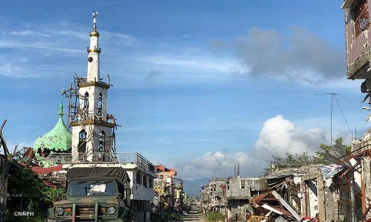 Duterte hints at leaving full Marawi restoration to affluent residents, businessmen